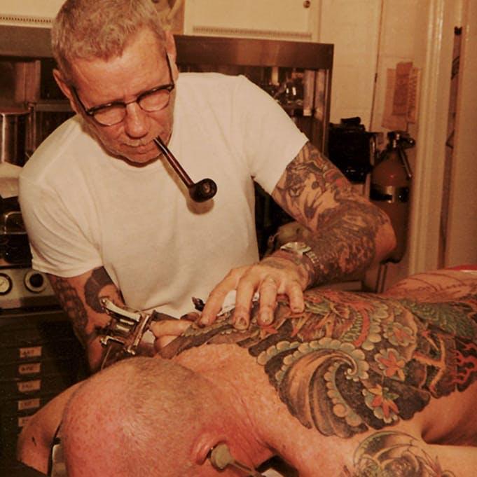 Sailor jerry tatuaje tradicional americano